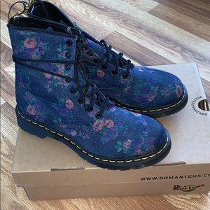 Dr Martens blue floral denim combat boots NIB